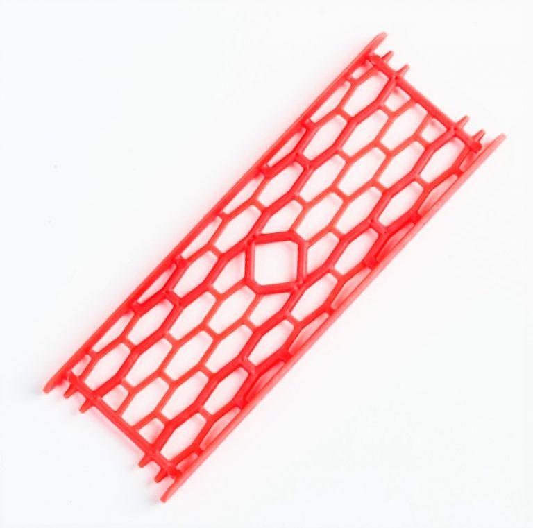 MAD CARP  Drabinka do zestawów nr1 orange fluo. Mocna drabinka wykonana z poliestru w kolorze pomarańczowym fluorescencyjnym do przechowywania gotowych zestawów karpiowych oraz przyponów. Wymiary 15cm x 5cm.