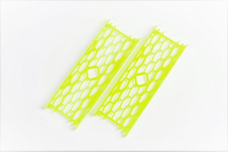 MAD CARP  Drabinka do zestawów nr1 żółta fluo.  Mocna drabinka wykonana z poliestru w kolorze zółtym fluorescencyjnym do przechowywania gotowych zestawów karpiowych oraz przyponów. Wymiary 15cm x 5cm.