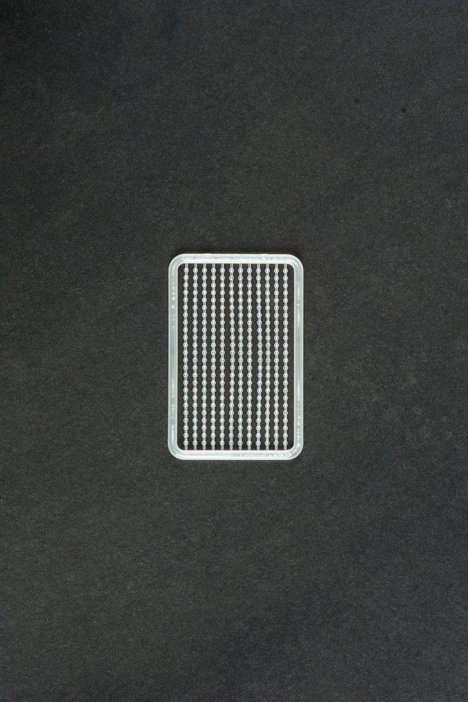 MAD CARP  Stopery do kulek. Wykonane z polipropylenu (Moplen HP 548 R).Kolor bezbarwny. Znakomicie nadają się także do pelletu. Wymiary 68mm x 45mm. Zestaw 144 szt.