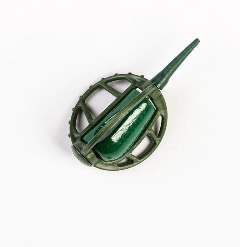 MAD CARP   Koszyczek Method Classic Średni 55gr. Dwudziestoletnie doświadczenie w produkcji akcesoriów wędkarskich, pozwoliło nam na stworzenie wyjątkowego produktu. Wykonany z najlepszej jakości materiałów ( polipropylen ,  ołów malowany proszkową farbą ) produkt spełni wszystkie państwa oczekiwania. Zaletą naszego koszyka jest trzyramienna konstrukcja i asymetryczny kształt ciężarka , dzięki któremu wiemy jak zestaw ustawi się w wodzie. Na jednym ramieniu koszyka znajdują sie specjalne wypustki ,  które po zarzuceniu zestawu będą zawsze na górze – co wskazuje gdzie wbić haczyk , tak aby koszyczek go nie przygniótł. Ponadto konstrukcja 3D doskonale utrzyma zanętę , podczas zarzucania zestawu.
