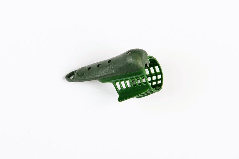 MAD CARP Koszyk zanętowy 30X30  feeder  nr 1. Wymiary 30mm x 30mm.Koszyki wykonane są z trwałego , niepękającego plastiku , którym pokryty jest także ciężarek.  Znakomicie utrzymują zanętę , stopniowo uwalniając ją do wody. Koszyki większych rozmiarów , doskonale sprawdzą się także na rzece. Dodatkowo wyposażone są w rurkę , która zabezpiecza zestaw przed splątaniem żyłki.